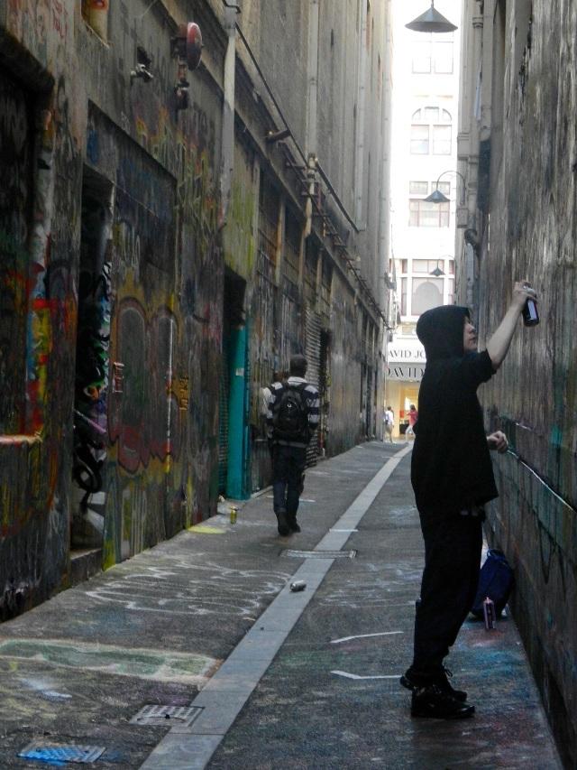 Union Lane - street artist